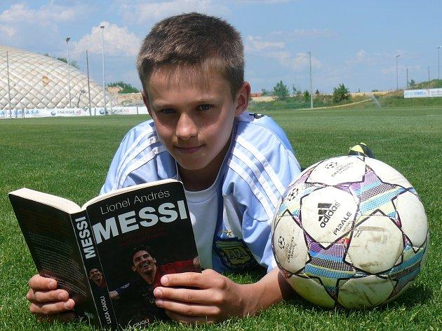 Lukáš Pfeifer se narodil ve stejný den jako Lionel Messi