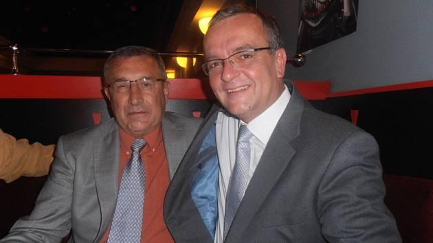 Jaroslav Pouzar, kandidující za TOP 09, s Miroslavem Kalouskem.