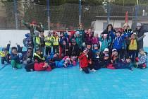 Děti z mateřských škol si zahrály na Pedagogu hokejbalový turnaj.
