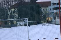 Návrat zimy udělal fotbalistům na jihu Čech čáru přes rozpočet. pro takové případy však mají v termínové listině náhradní termíny.