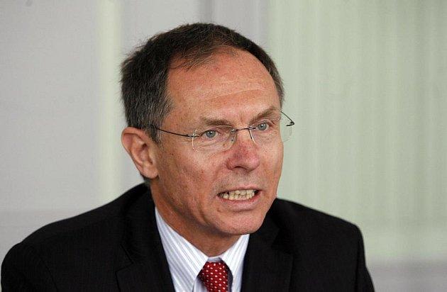 Profesor Jan Švejnar v pondělí exkluzivně v rozhovoru pro jihočeské deníky komentuje povolební situaci