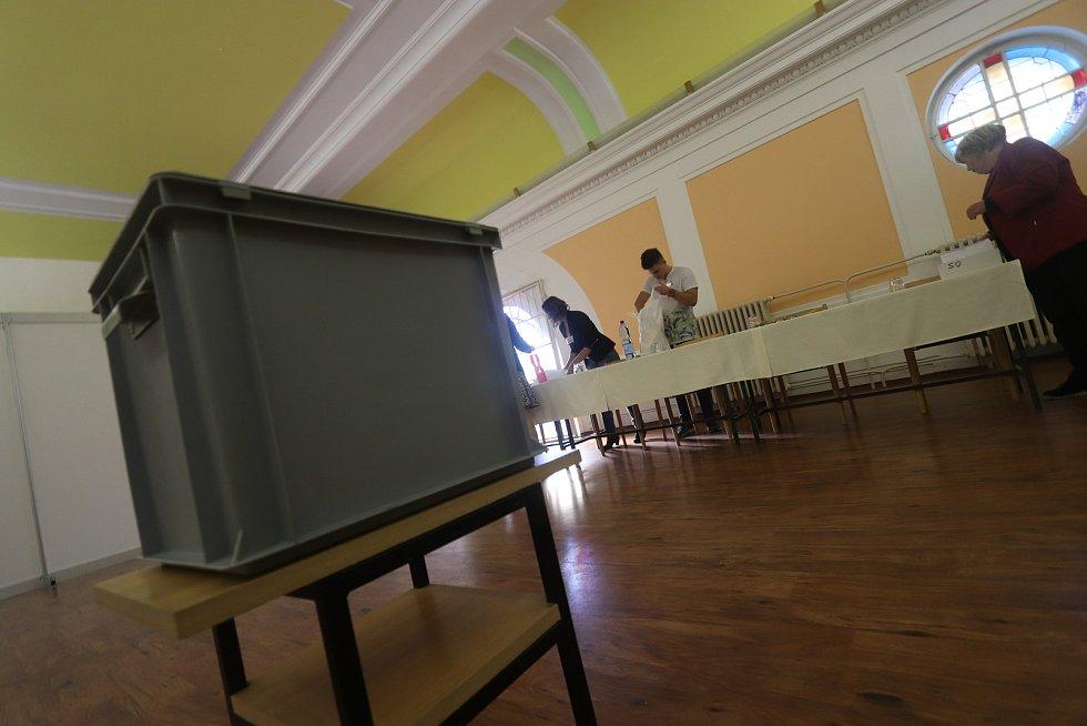Volby ve vazební věznici v Českých Budějovicích.