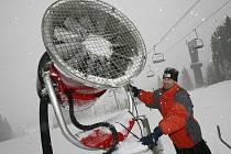 Zasněžování v zimním středisku Zadov.