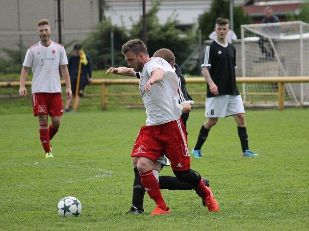 Fotbalisté Lokomotivy České Budějovice remizovali vměstském derby se Slavií ČB 0:0. Oba týmy tak pokračují ve šňůře zápasů, vnichž na jaře bodovaly.