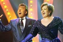 Karel Gott a Eva Urbanová zazpívají 3. října v českobudějovické Budvar aréně.