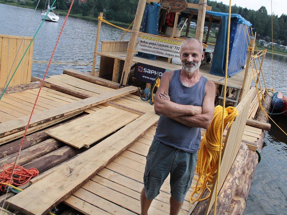 Na voru začal Josef Boháč pracovat loni. Plánuje s ním přeplout Atlantik.