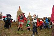 Sobotní bitva o Slamburk neboli hrad ze Slámy přilákala k Borovanům přes tisíc lidí z celé republiky.