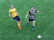 Dynamo hostilo Baník Sokolov.