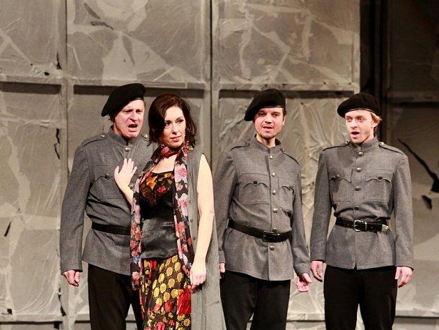 Opera Carmen vJihočeském divadle, vhlavní roli Šárka Hrbáčková.
