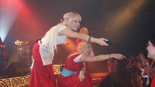 Páteční koncert skupiny Värttinä byl silným hudebním zážitkem.