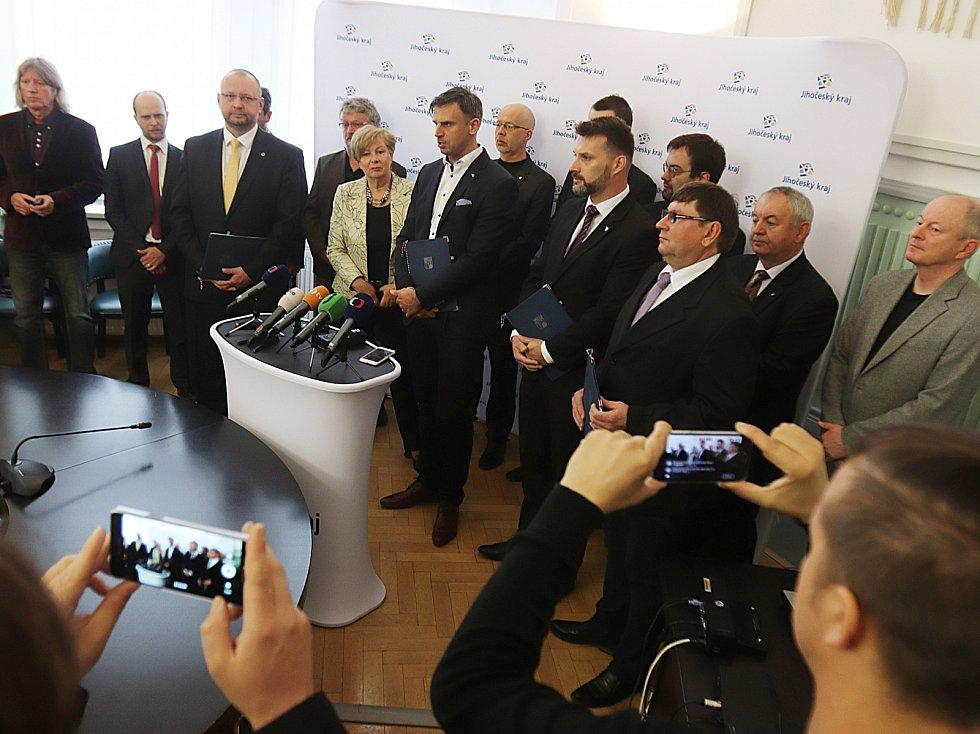 Středeční podpis koaliční dohody v Jihočeském kraji.