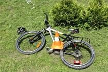 Sedmdesátiletý muž spadl na Šumavě z kola.