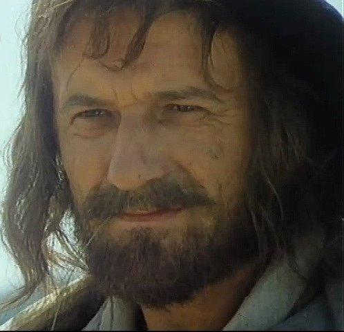 Jednoho zherců potulného spolku hrál Radoslav Brzobohatý.