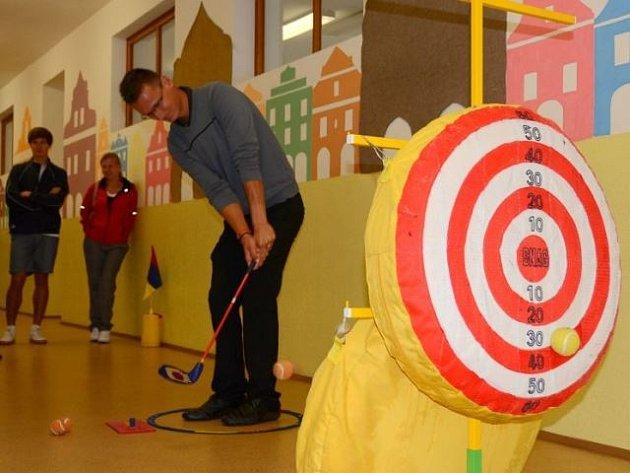 Profesionál Ondřej Lieser zkouší SNAG golf.