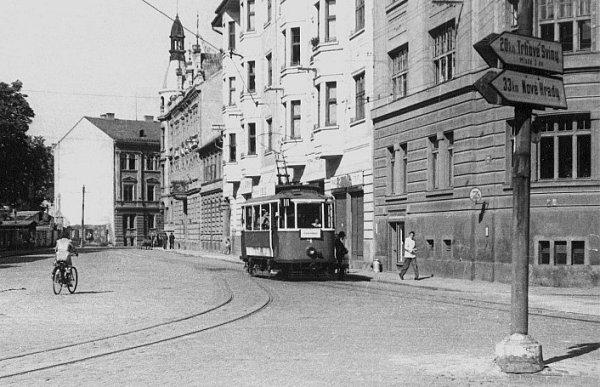 Zastávka Učerného koníčka zroku 1936.
