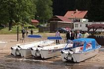 Při plavbách mohou turisté využívat na Lipně nové elektročluny.