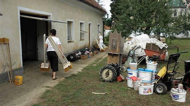 Charita pomáhá obětem povodní.