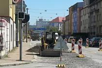 V Mánesově ulici v Českých Budějovicích město rekonstruuje některé inženýrské sítě. Práce mají trvat do poloviny září.