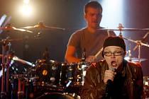 Skupina Pub Animals z Českého Krumlova převzala 23. února cenu Anděl v kategorii ska & reggae. Má ji za debutové album Safar–I. Na snímku ze čtvrtečního koncertu v pražské Incheba Aréně, kde po andělském ceremoniálu odehrála koncert, jejž natočila ČT.