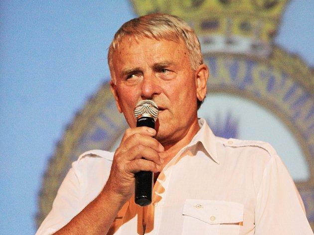 Vladimír Vopalecký (na snímku) pořádá 2. benefiční koncert pro památník letců RAF.