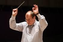 Nebude chybět opět dirigent Leoš Svárovský.