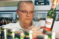 Petr Košín (na snímku) v laboratoři Budvaru.