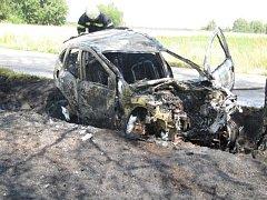 Smrtí řidičky skončila pondělní nehoda Renaultu Clio u Drahotěšic na Budějovicku.