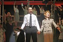 Muzikál Evita v Jihočeském divadle