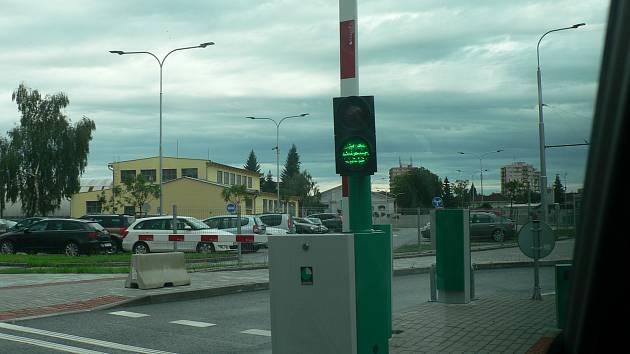 Budějovická radnice dala v srpnu 2018 do provozu další část odstavného parkoviště v Jírovcově ulici.