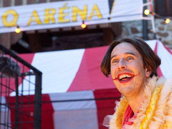 Malé divadlo má nové hravé představení Quijote!. Na snímku Jiří Šponar jako Joker.