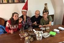 Vánoční besídka týmu Sokol 3SB z Českých Budějovic. Nechyběla dobrá nálada ani soutěž o nejlepší vánoční cukroví.