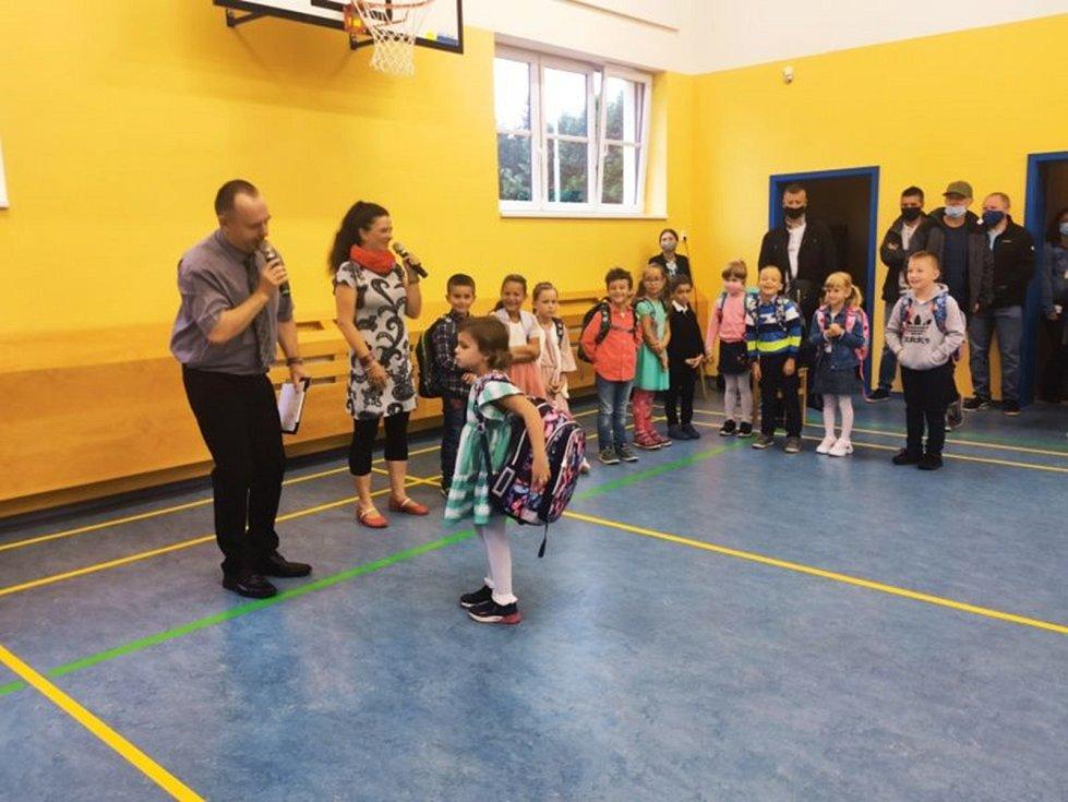 Zahájení školního roku v Borku.