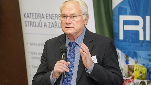 František Hezoučký, který stál u zrodu československé jaderné energetiky, dostal medaili Za zásluhy.