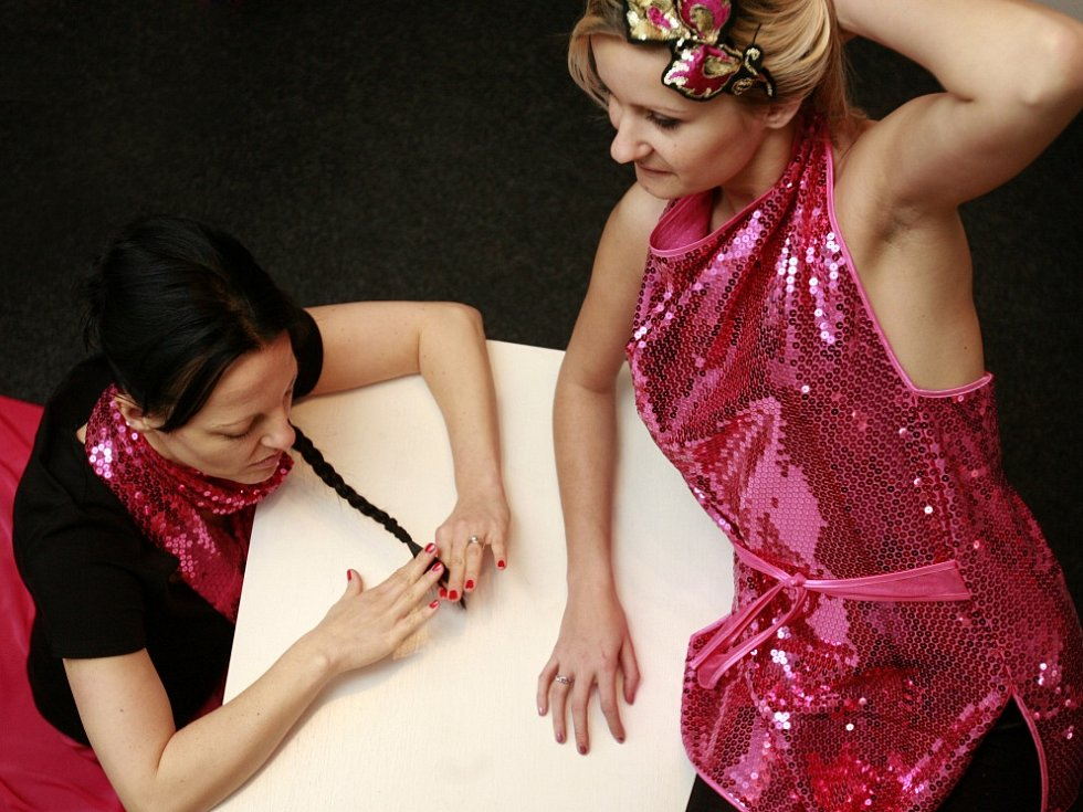 Oděvní výtvarnice Nicole Matéffy z Českých Budějovic ušila svou první valentýnskou kolekci.