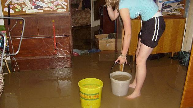 Takové škody zanechala voda u rodiny Hančovích v obci Jaronice u Českých Budějovic