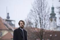 Lukáš Csicsely pochází z jihu Čech, kam se rád vrací. Pochází ze Zlivi.