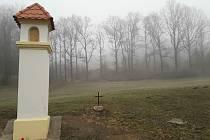 V Hrdějovicích opravili kapličku, proč ale porazili doubek?