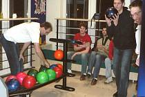 V době, kdy se volejbalistům Jihostroje výsledkově nedařilo, vyrazili do Třeboně, kde v průběhu dne trénovali v hale, večer sbírali psychické síly na závěr sezony.