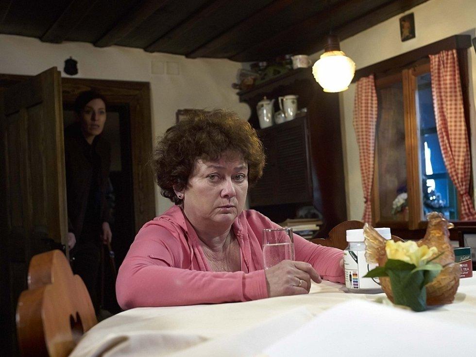 Jana Boušková v roli šumavské pošťačky.