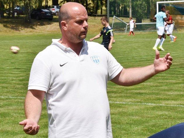 Trenér Táborska Roman Nádvorník věří, že jeho svěřenci mohou Hradec zaskočit.