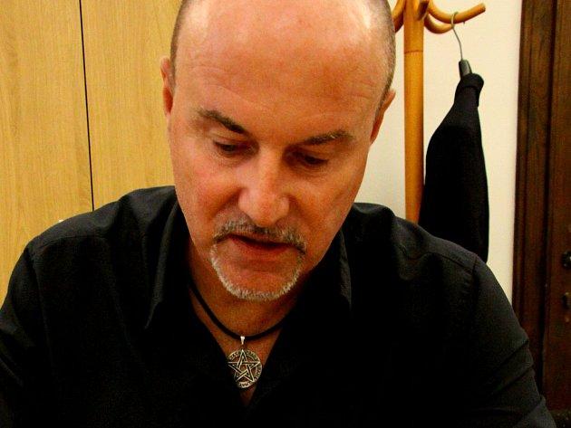 Viktor Lavička.