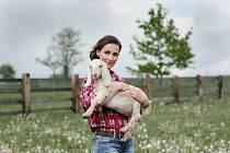 Jana Drobilová Holcová chová anglonubijské plemenné kozy.