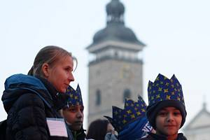 Nová výstava v budově úřadu Jihočeského kraje přibližuje aktivity Diecézní charity České Budějovice.