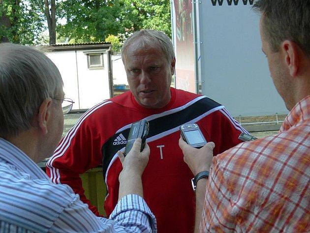 Šéftrenér mládeže Pavel Tobiáš přivede ligový dorost do Uherského Brodu na soustředění.