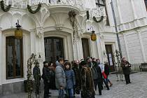 Zámek Hluboká nad Vltavou přilákal v listopadu a prosinci 2009 téměř devět tisíc návštěvníků.