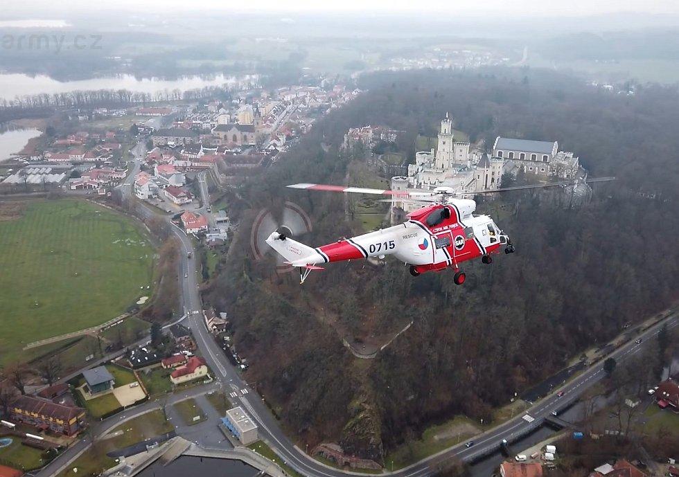 Za čtyři roky svého působení v Bechyni provedla posádka Kryštof 13 přes dva tisíce vzletů a transportovala přes dva tisíce pacientů. Foto: Ministerstvo obrany ČR