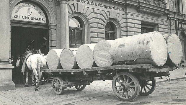 Jak jezdil papír za starých časů.