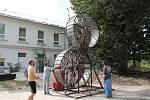 """Maker Faire neboli přehlídka různých vynálezů přitáhla v sobotu od deseti hodin do českobudějovické """"Žižkárny"""" davy návštěvníků."""