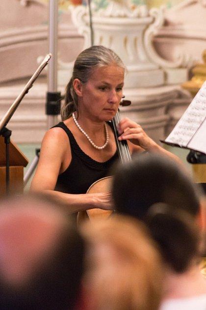 Český Krumlov hostil 29.ročník Festivalu komorní hudby. Mezi jeho vrcholy patřil večer nazvaný Pocta Mistru Sukovi. Vpátek 3.července zahrál vZrcadlovém sále zámku Adamus Ensemble.