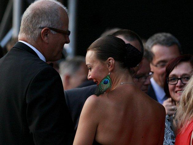 Herečka Lenka Krčková (42) odchází po 16 letech z činohry Jihočeského divadla. Na snímku s partnerem Jiřím Šestákem na krumlovském MHF v roce 2013.